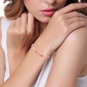 Bracelet en cuivre magnétique gravé de coeurs