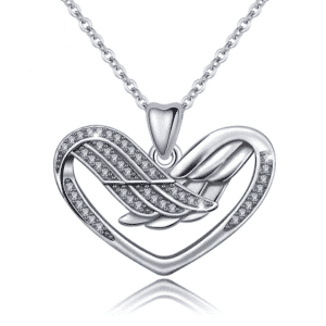 Collier ailes d'ange formant un coeur