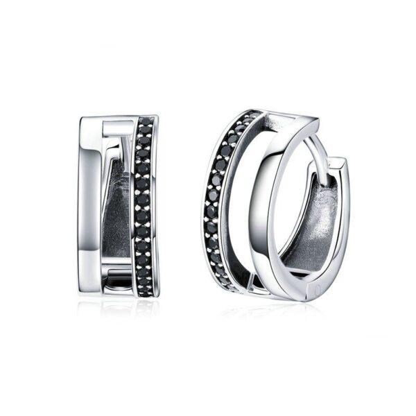 anneaux d'oreilles en argent et cristaux noirs