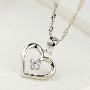 pendentif coeur en argent avec cristal blanc