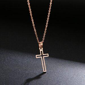 pendentif croix ajourée pas cher rose doré