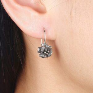 boucles d'oreilles vintage pas cher fleur en argent vieilli