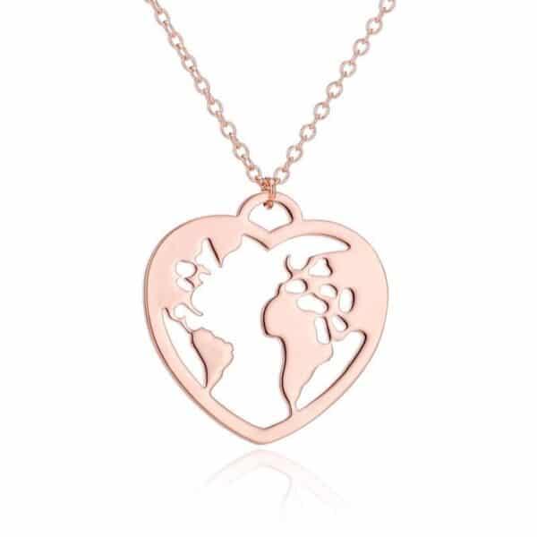 collier fantaisie continents dans un coeur